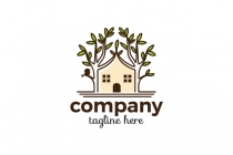 Cozy Tree House Logo